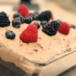 Glutenfri chokoladekage med bær